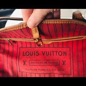 Louis Vuitton never full GM one year old
